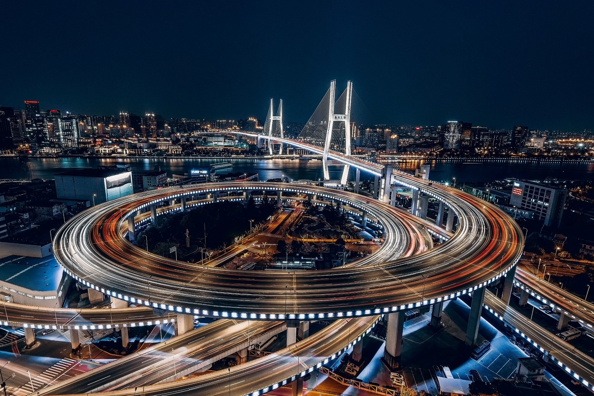 Shanghai dizzying city