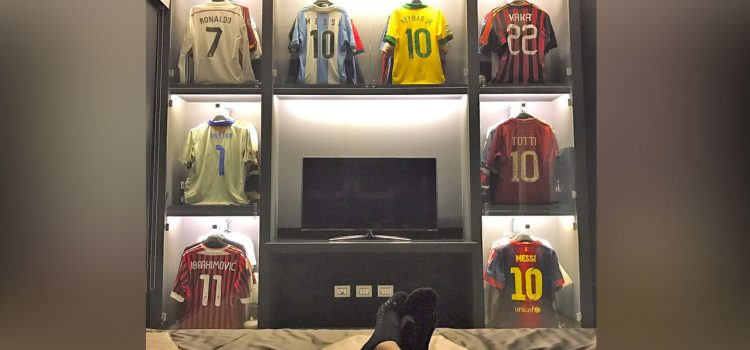 Collection of T-shirts in Sephan El Shaarawy's bedroom